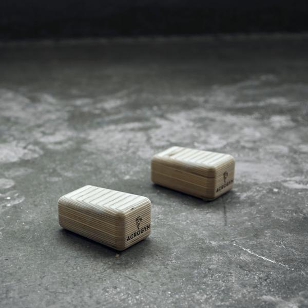 Acro Cubes